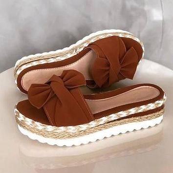 Women's shoes with thick bottom woven straw cake fish mouth bow set brown