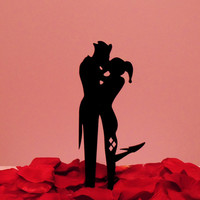 The Joker and Harley Quinn Kissing with leg out Cake Topper