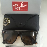 NEW Ray-Ban Wayfarer RB2140 902/57 54mm Tortoise Frame With Box