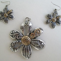 Openwork Floral Jewelry Set Silvertone Goldtone Necklace Pendant Earrings