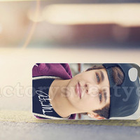 Austin Mahone With Snapback - for iPhone 4/4s, iPhone 5/5s/5c, Samsung S3 i9300, Samsung S4 i9500 *factorysweatyes*