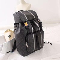 lv louis vuitton shoulder bag lightwight backpack womens mens bag travel bags suitcase getaway travel luggage 107