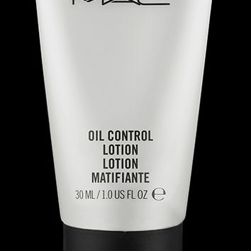 M·A·C Cosmetics | Products > Moisturizers > Sized to Go Oil Control Lotion