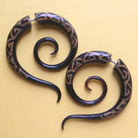 SHAMAN Fake Gauge Earrings - Hand Carved Horn - Black Spiral Earrings with Resin Inlay