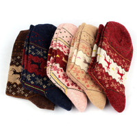 Hot Brand 2016 Newest Warm Winter Sock Women Christmas Deer Design Casual Knit Wool Women Socks