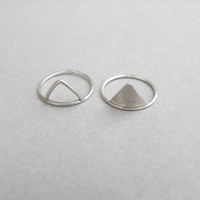 Dainty silver triangle ring, Pyramid stacking ring, spike geometric ring, thin mountain ring, simple everyday jewelry