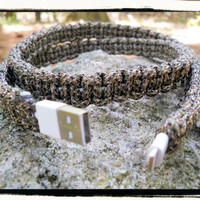 iPhone 5 Paracord Wrapped Charger (camo)