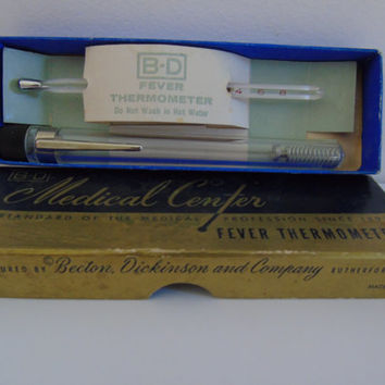 Vintage Medical Center B-D Fever Thermometer Glass Rectal Fahrenheit Original Box and Case Model 94384  Becton Dickinson Co Rutherford NJ
