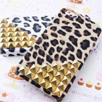 Gold Studded Leopard Cheetah Print Iphone 5 Cell Phone Case