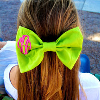 Monogrammed Hair Bow with Circle Monogram
