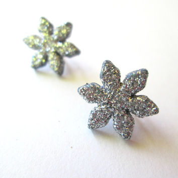 Sparkly Snowflake Stud Earrings, Silver, Christmas Seasonal Jewelry, Holiday Fashion, Winter Accessories, Stocking Stuffer, Hypoallergenic