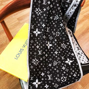 LV Louis vuitton fashion hot sale printed two-sided matching color shawl scarf
