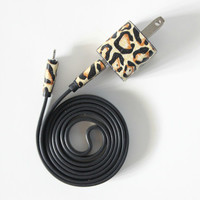 Vintage Cheetah on Black - 3ft iPhone Charger