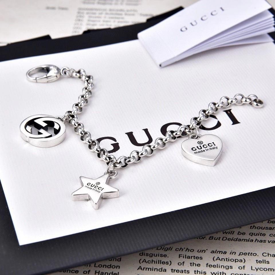 Image of fashion Woman Fashion Accessories Fine Jewelry Ring & Chain Necklace & Earrings