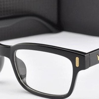 2015 New V -Shaped Box Eye Glasses Frames Brand For Men Fashion Frames Eyewear Vintage Oculos De Grau Women Armacao Femininos = 1946807428