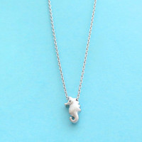 Seahorse, Gold, Silver, Necklace, Tiny, Small, Sea horse necklace, Dainty, Simple, Minimal, Birthday, Graduation, BFF, Sister, Gift, Jewelry