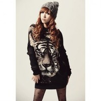 Stylish Round Neck Tiger Head Print Batwing Sleeve Loose Fit Black Color Long T-Shirt For Women