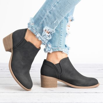 Philly Round Toe Ankle Boots