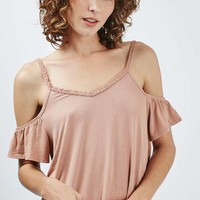 Frilled Cold Shoulder Top - 3 Beauty Looks for Every Festival - We Love