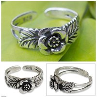 Handcrafted Floral Sterling Silver Toe Ring from Thailand - Chiang Mai Rose | NOVICA