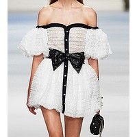 Frothy sleeve dress short style
