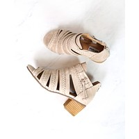 Not Rated - Cullie Open Toe Chunky Wooden Heel Sandal - Beige