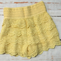 Lace Shorts: Lemon