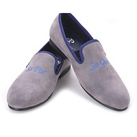 Fashion Handmade men grey color velvet shoes embroidered different words prom and banquet Loafers men casual flats