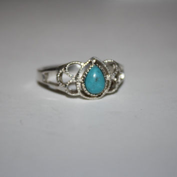 Tear shaped Turquoise and Sterling Vintage Ring Size 10 - free ship US
