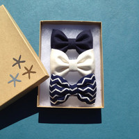 Navy blue, winter white and blue chevron flannel bow lot for fall. Seaside Sparrow perfect bows.