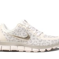 Amazon.com: Nike Wmns Free 5.0 V4 Leopard - White Wolf Grey (511281-100) (6 B(M) US): Shoes