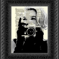 Marilyn Monroe with Camera, Marilyn Monroe Art Print, Print on Dictionary Paper, Wall Decor, Mixed Media Collage