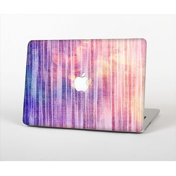 """The Vibrant Fading Purple Fabric Streaks Skin Set for the Apple MacBook Pro 13"""" with Retina Display"""