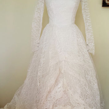 Vintage 1950s Grace Kelly Style Lace Wedding Gown