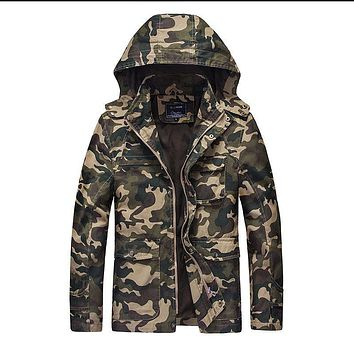Winter Men Thick Camouflage Parkas Men Military Army Style Solid Padded Windbreaker Trench Thicken Warm Hooded Jacket 070401