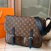 LV 2020 new retro men's business style shoulder bag crossbody bag