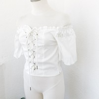LESLIE OFF SHOULDER TOP- WHT