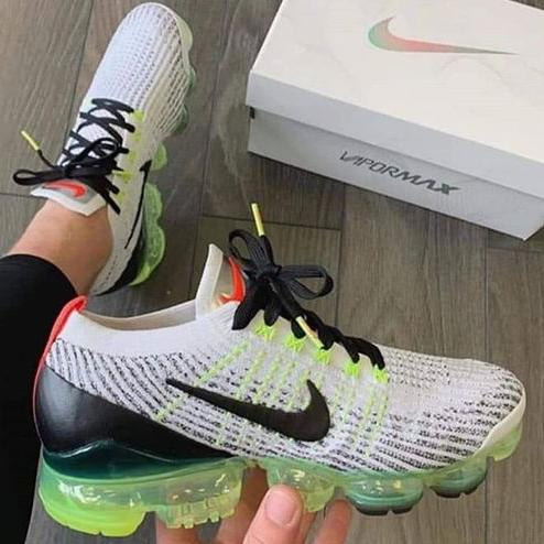 Image of Nike Air Vapormax Flyknit Nike Air Vapormax Flyknit Air Cushion Color Block Men's and Women's Basketball Shoes Sneakers