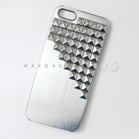 FREE Shipping US -- iPhone 4 4S 5 5S Silver Studs Brushed Aluminum Hard Phone Case AT&T Verizon Sprint