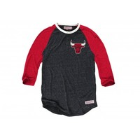 Hustle Play HenleyChicago Bulls - Mitchell & Ness