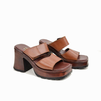 Vintage 90s Chunky Heeled Platform Sandals / Brown Leather Platforms / Steve Madden Sandals - women's 8.5