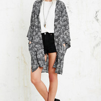 Staring at Stars Kimono Jacket in Black - Urban Outfitters