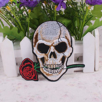 Punk Rock Cheap Embroidered Biker Patches Star Letter Skull Patch Rose Iron On Patches For Clothes Stickers Badges Free Shipping