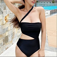 New feminine self-cultivation solid color cover belly halter hot spring one-piece bikini