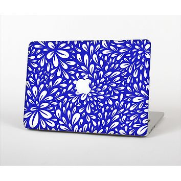 "The Royal Blue & White Floral Sprout Skin Set for the Apple MacBook Pro 15"" with Retina Display"