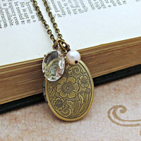 Chante - Oval Locket Pendant with Rhinstone and Pearl