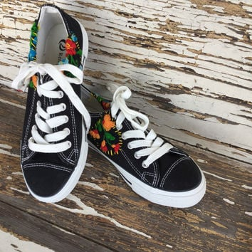Embroidered Sneakers (Black)