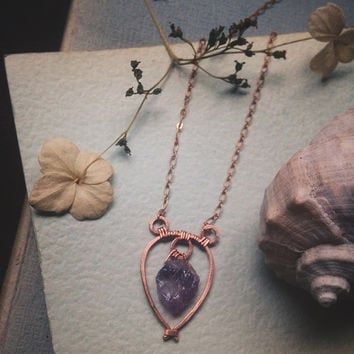 maude • raw amethyst necklace - hammered copper necklace - copper crystal jewelry - viking jewelry - made in finland - witch jewelry