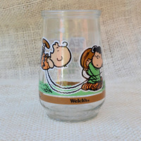 Vintage Welchs Jelly Jar Glass Peanuts collectible // Charlie Brown Juice glass