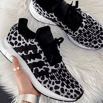 Fabric Leisure Sports Texture Mixed Sneakers